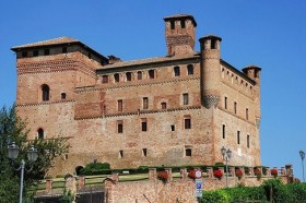 Castello di Grinzane Cavour 2 280x186 The Piedmontese Regional Enoteca at Grinzane Cavour Castle